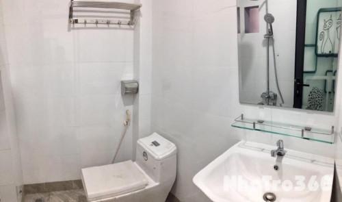 Cho thuê căn hộ/phòng trọ có ban công, full nội thất ở Tôn Thất Thuyết Q4